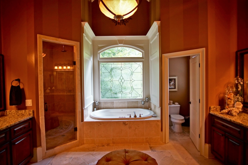 4409 Master Bath 3